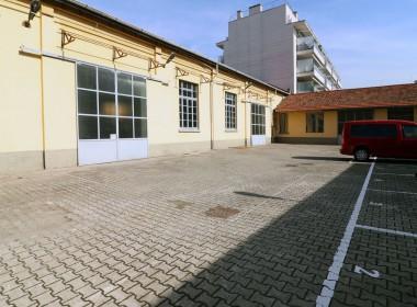 06_officine-de-rolandi-parking-esterno-low (3)